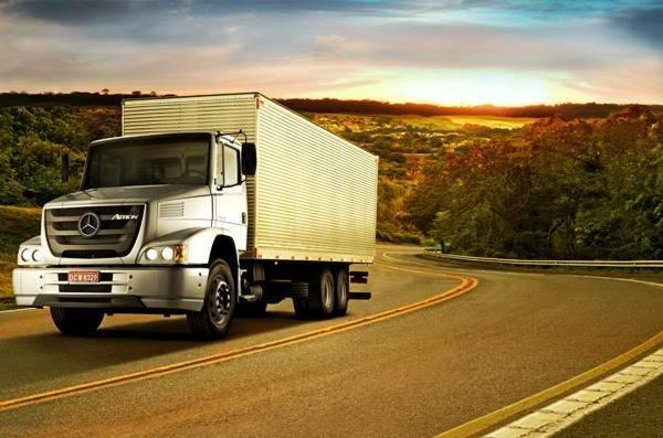 Transportes aprova limitador de velocidade para ônibus e caminhões