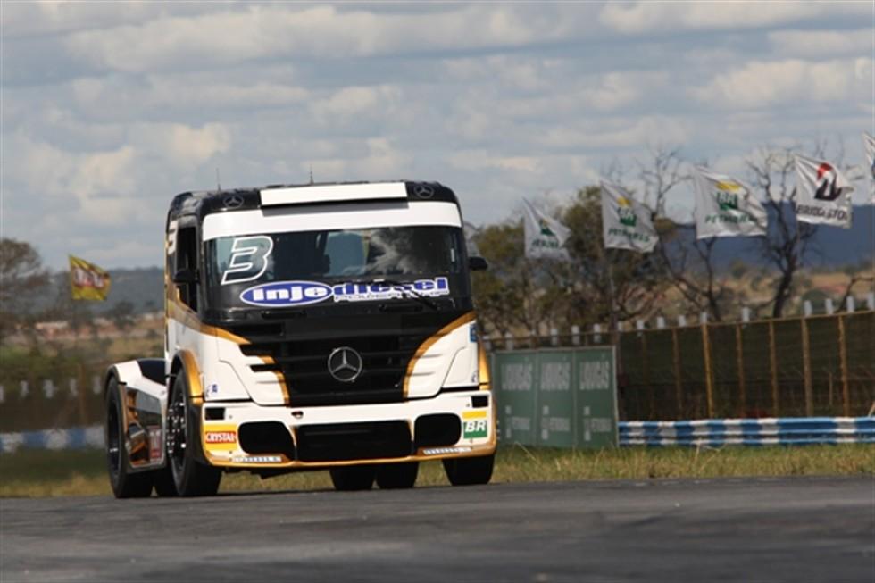 Geraldo Piquet fica com pódio na Fórmula Truck em Goiania