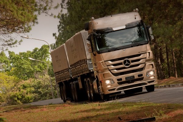 Actros_2546_01