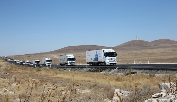 Mercedes-Benz-Actros-MP4-1-590x393